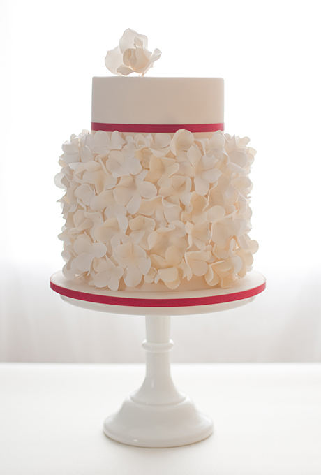 2014 Wedding Cake Trends Dipped In Lace