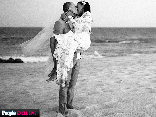 Naya Rivera & Ryan Dorsey Wedding Details + Pics Of Her Monique Lhuillier Wedding Dress 3