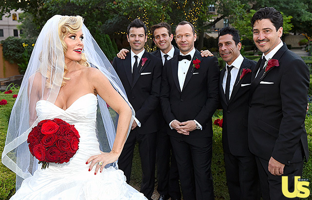 Jenny McCarthy Looks Like One Happy Bride, See Her Dress, Her Wedding Hairstyle & More 10