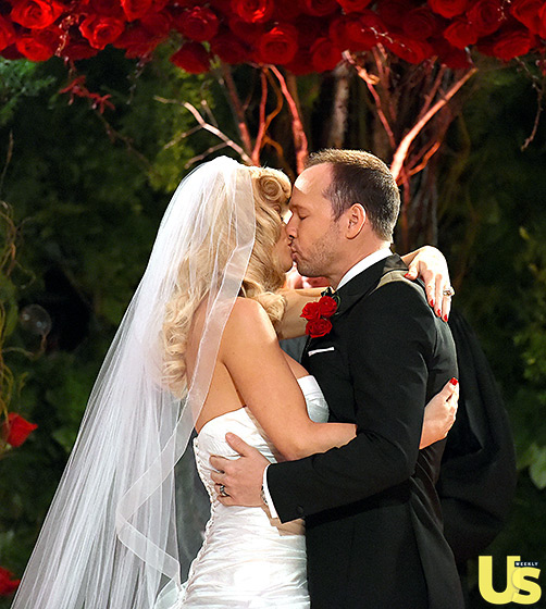 Jenny McCarthy Looks Like One Happy Bride, See Her Dress, Her Wedding Hairstyle & More 5