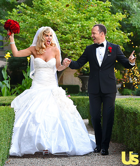 Jenny McCarthy Looks Like One Happy Bride, See Her Dress, Her Wedding Hairstyle & More 6