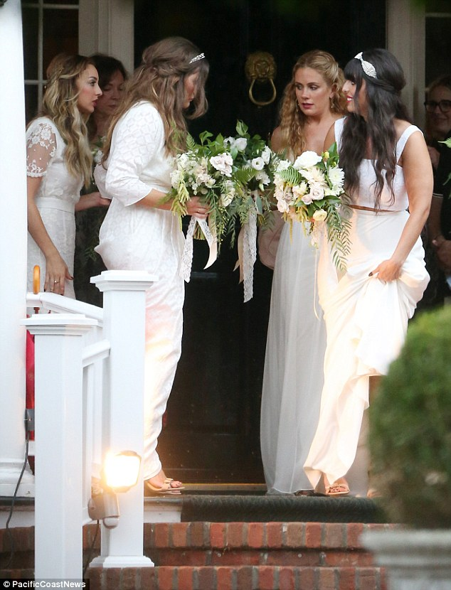 Pics From Ashlee Simpson Bohemian Wedding To Evan Ross See Her Bridesmaids Gown