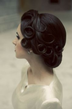 Retro Inspired Wedding Hairstyles 21