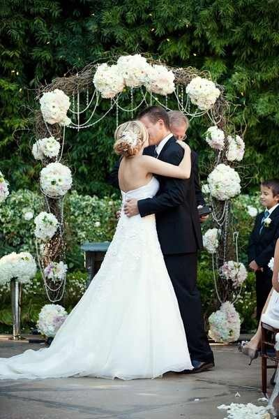 15 Breathtaking Wedding Arches & Backdrops Design Ideas That Will Leave You Breathless 7