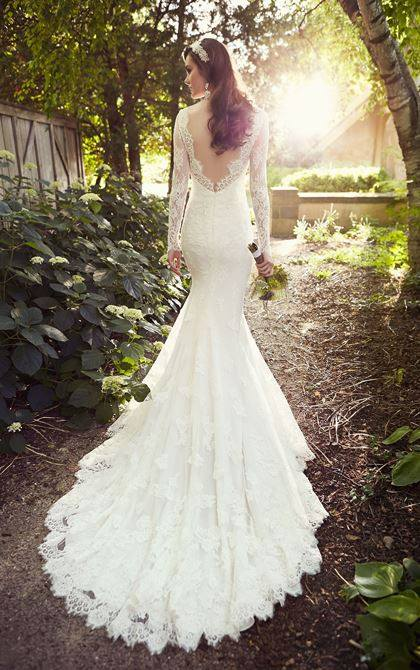 Fall 2015 / Winter 2016 Wedding Dress Trends – Dipped In Lace