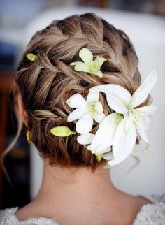 Wedding Hairstyles With Flowers 12