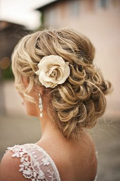 Wedding Hairstyles With Flowers 19