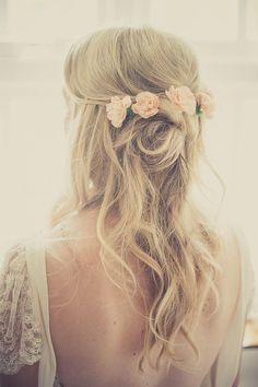 Wedding Hairstyles With Flowers 2