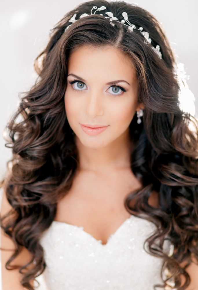 Wedding Hairstyles for Long Hair – Dipped In Lace