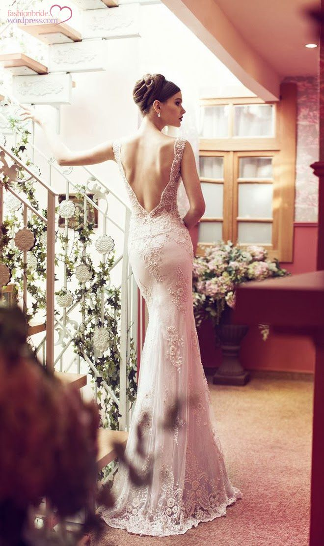 20 Backless Wedding Dresses That Will Make Jaws Drop 18