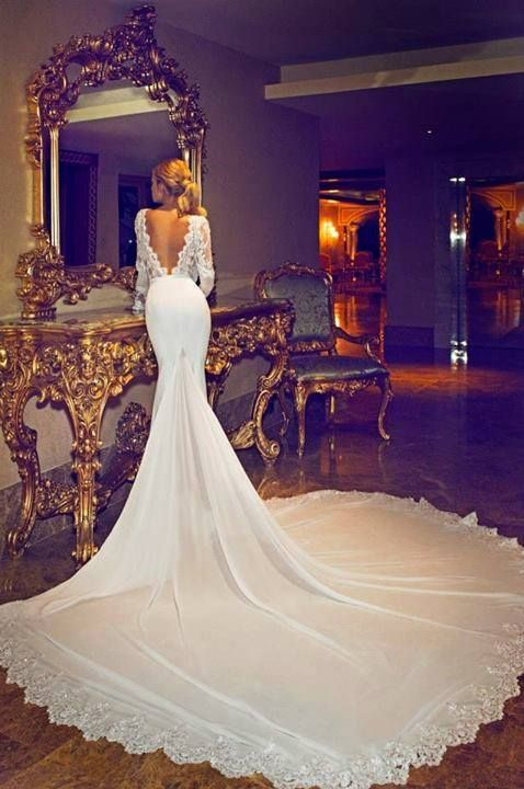 20 Backless Wedding Dresses That Will Make Jaws Drop 2