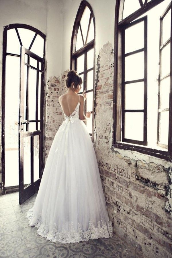 20 Backless Wedding Dresses That Will Make Jaws Drop 5
