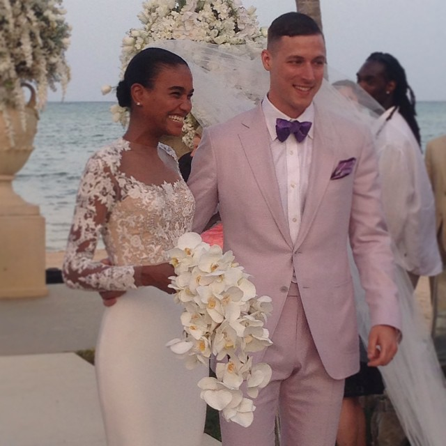 Model Arlenis Sosa Weds In Stunning Reem Acra Gown 2