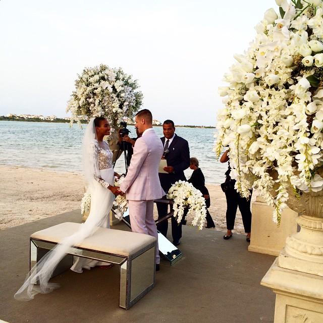Model Arlenis Sosa Weds In Stunning Reem Acra Gown 3