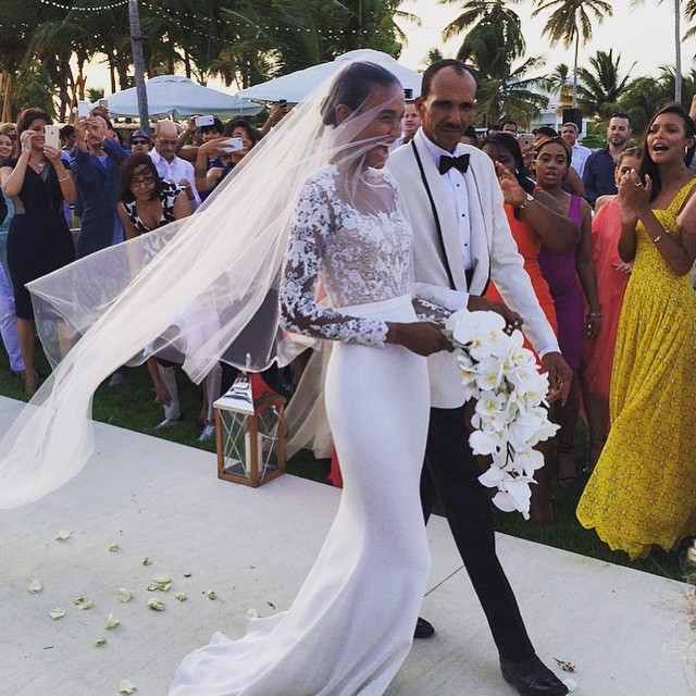 Model Arlenis Sosa Weds In Stunning Reem Acra Gown