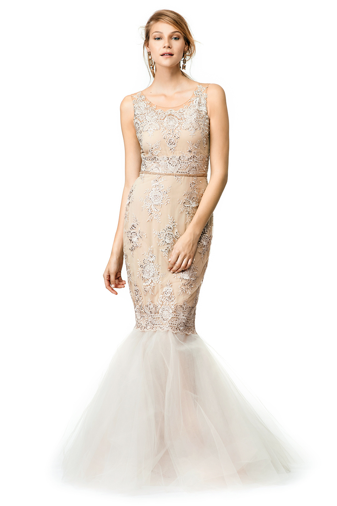 Shop for the perfect dress at David's Bridal with prom dresses available in sizes Shop online or book an appointment in store online! Looking for cute and stylish prom dresses?