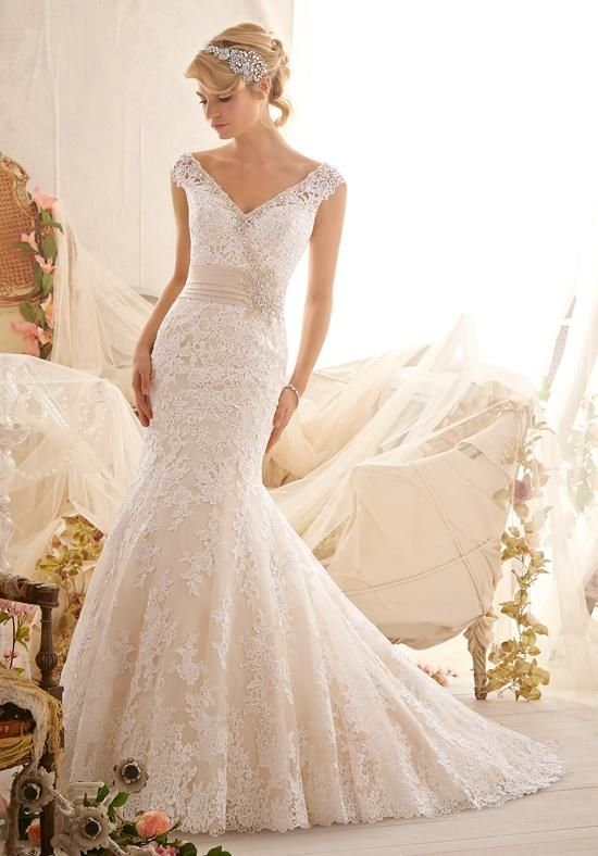 2016 Spring & Summer Wedding Dress Trends 17