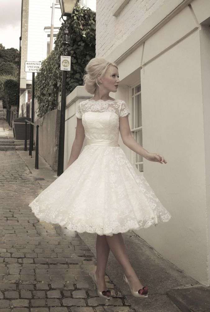 2016 Spring & Summer Wedding Dress Trends 6