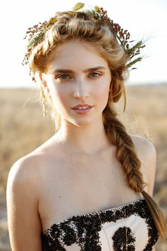 Fall Wedding Hairstyles 13