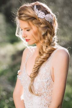 Hair Accessories For The Glamorous Bride 14