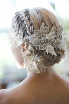 Hair Accessories For The Glamorous Bride 20