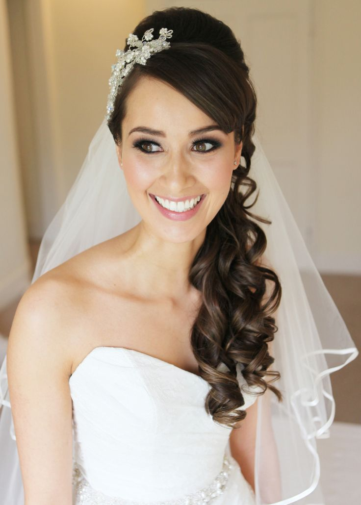 Hair Accessories For The Glamorous Bride 4