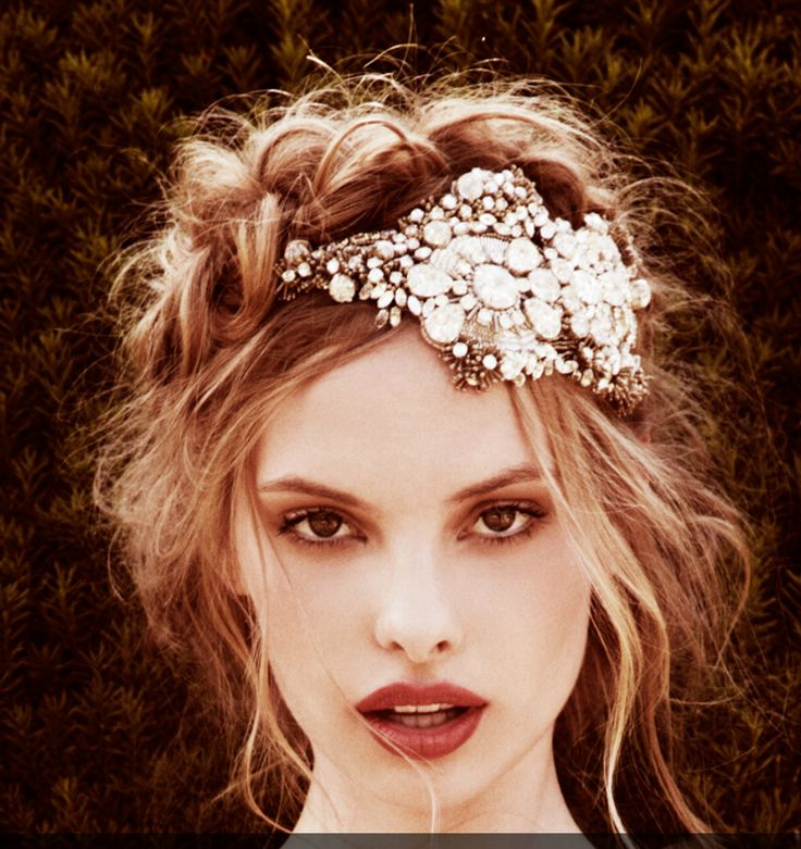 Hair Accessories For The Glamorous Bride 5
