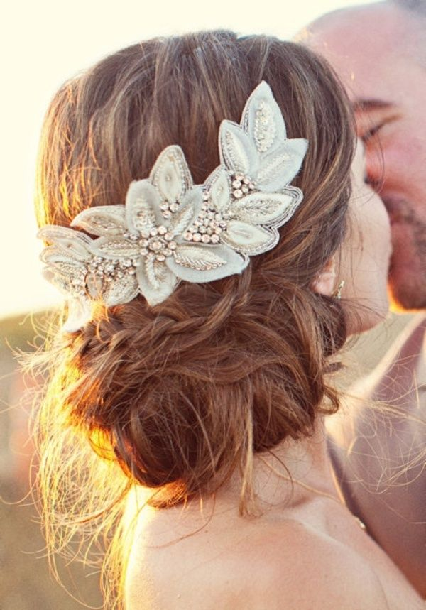 Hair Accessories For The Glamorous Bride 9