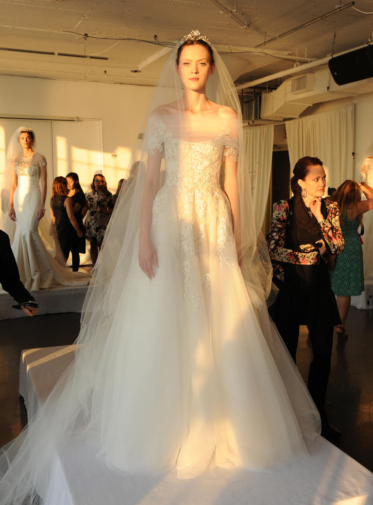 Marchesa Fall 2016 wedding dress collection 11