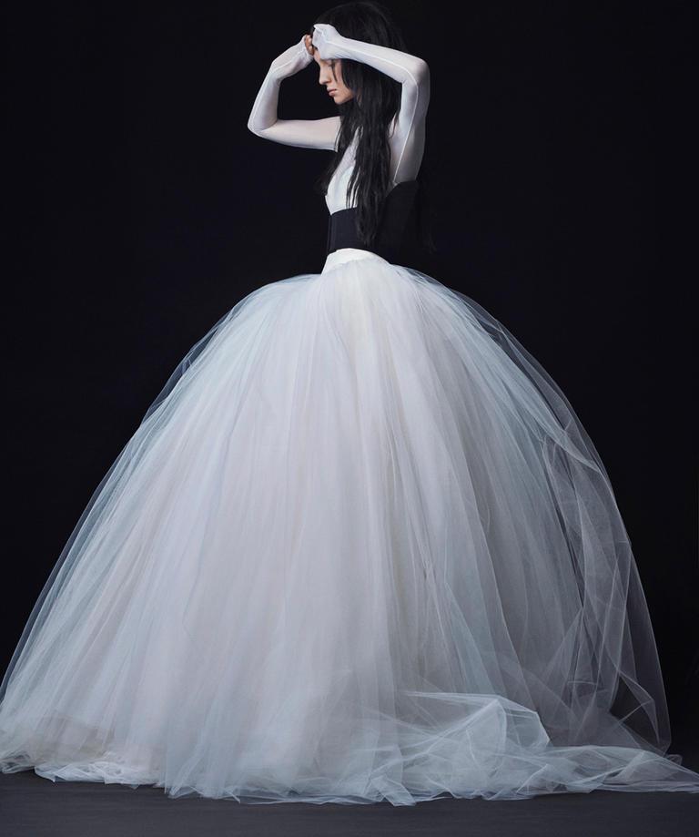 Vera Wang Fall 2016 Wedding Dress Collection 12