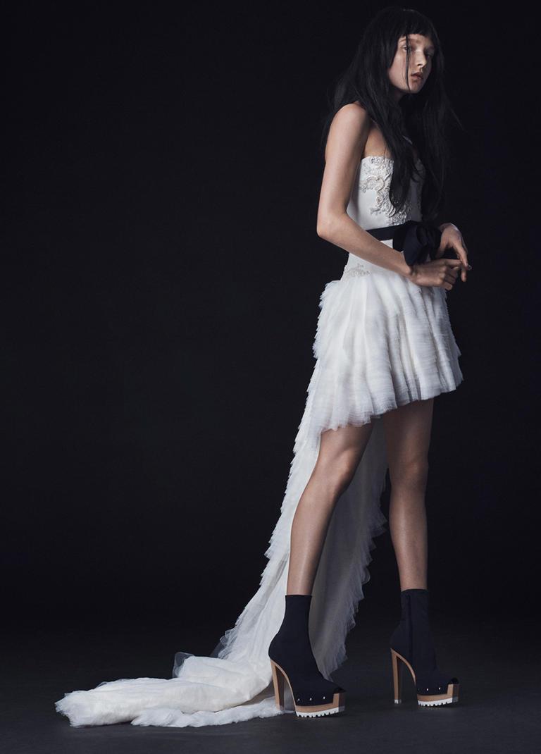 Vera Wang Fall 2016 Wedding Dress Collection 7