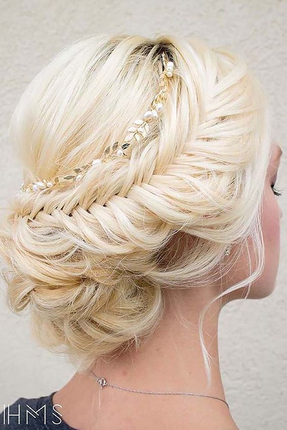 New Hairstyle For Wedding 2017 : Wedding hairstyles top hair ideas for brides dipped
