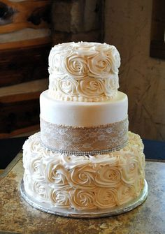 2017-wedding-cake-trends-17