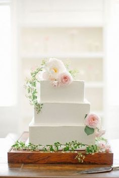 2017-wedding-cake-trends-27