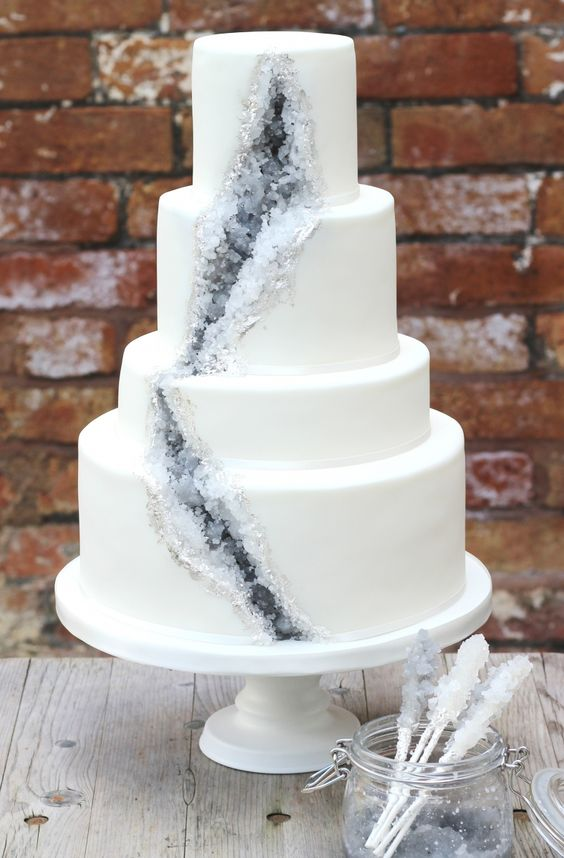 2017 Wedding Cake Trends Dipped In Lace